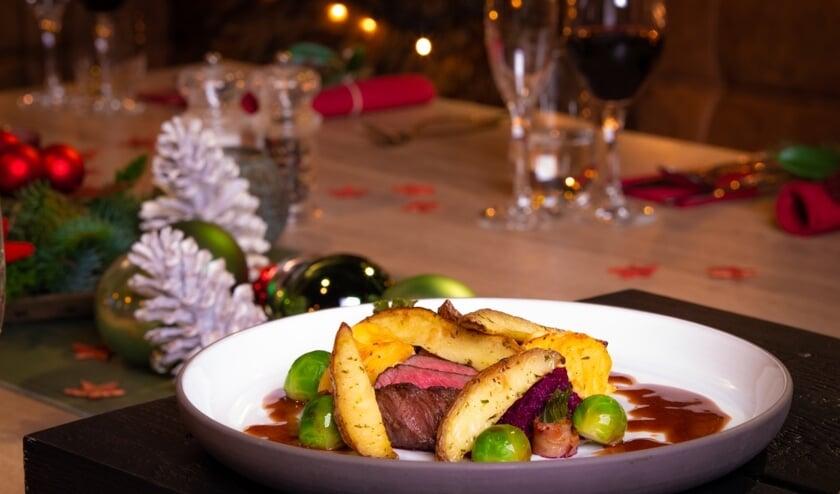 <p>Voor een heerlijk kerstdiner hoef je niet in de keuken te staan. bestel het bij Tout le Monde! (Foto: PR)&nbsp;</p>