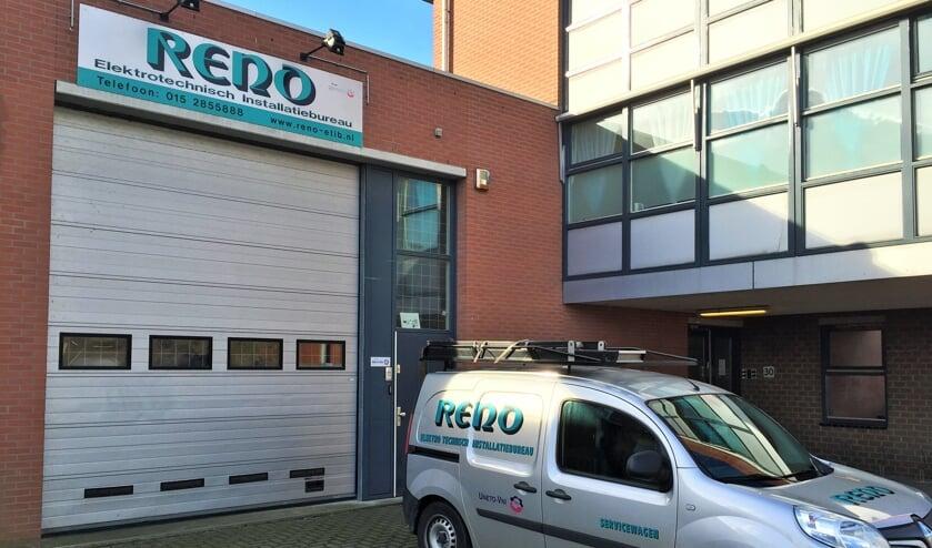 Reno Elektrotechnisch Installatiebureau,  niet te missen in het Delftse straatbeeld.