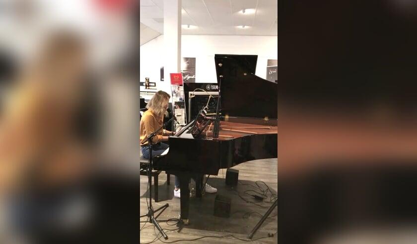 Kom een stukje pianospelen bij Clavis in Delft en wie weet win jij wel een piano!