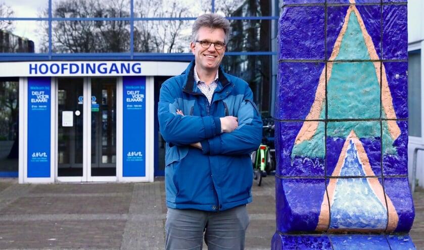 Arend Smit is vrijwilliger voor Stichting Present Delft (Foto: Koos Bommelé).