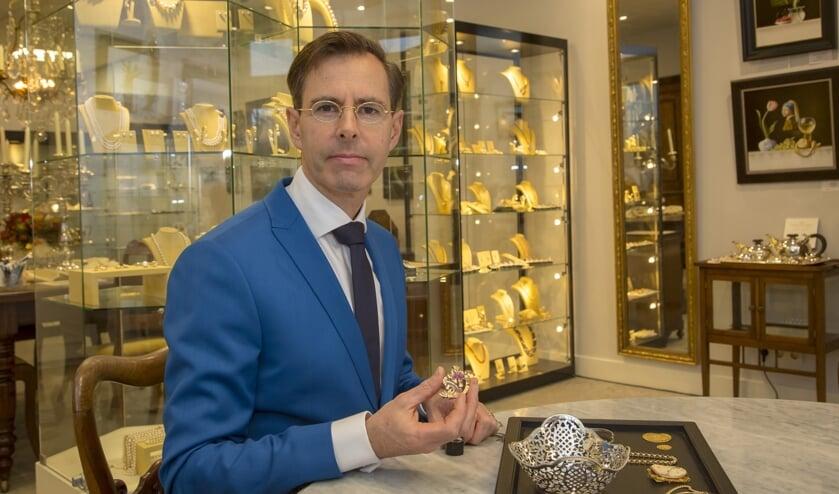 Chris van Waes koopt graag oude sieraden van u in