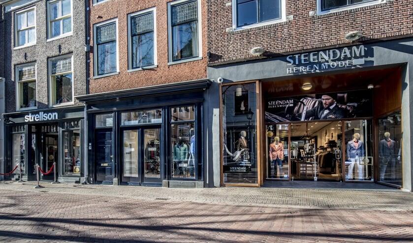 Vorig jaar is er op de Wijnhaven een klein warenhuis voor mannenmode ontstaan (Foto: John Brussel)