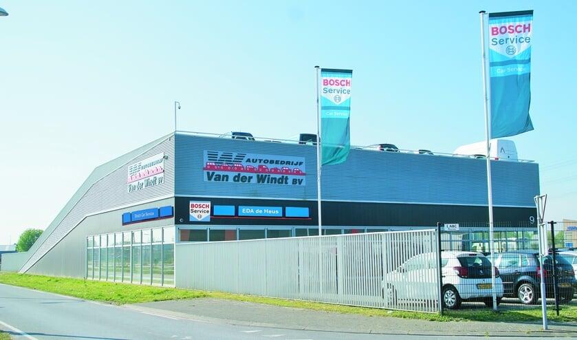Het nieuwe pand van EDA de Heus in Den Hoorn, waar ook de naam Van der Windt nog lang op zal prijken.