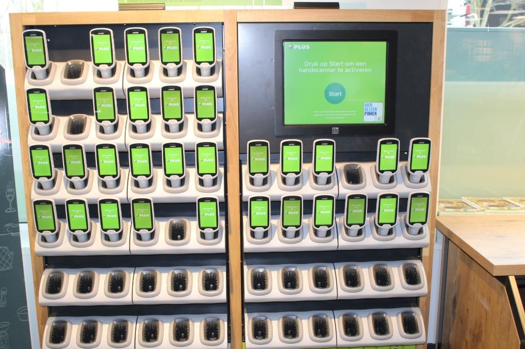 Klanten kunnen nu ook hun boodschappen zelfs scannen. (Foto: EvE)  Foto:  © RODI Media-zh