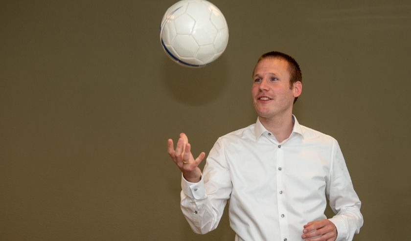 Robert van der Zwan keek als voetballer verder dan het spelletje zelf en pas dat nu nog dagelijks toe. (Fotografie en tekst: Roel van Dorsten)