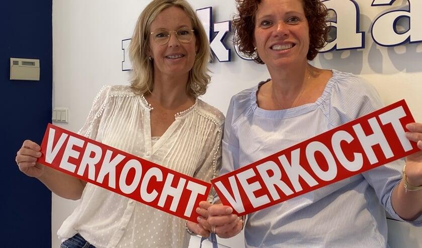 Er worden veel huizen verkocht door Van Daal Makelaardij, links Marcella Pruim en rechts Anita Jol.