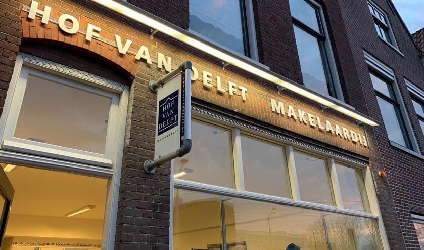 Het kantoor van Hof van Delft Makelaardij aan de Wateringsevest.