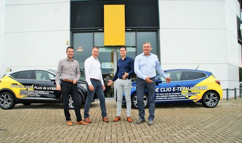 Het verkoopteam van Zeeuw & Zeeuw Renault Delft, vlnr Ferdi van der Gaag, Robert Schaap, Karim Abdalla en Patrick Dekkers.