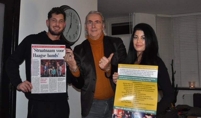 <p>Boy van Katwijk, initiatiefnemer Martin Reitsma en Malou Gouma steunen het eerbetoon </p>