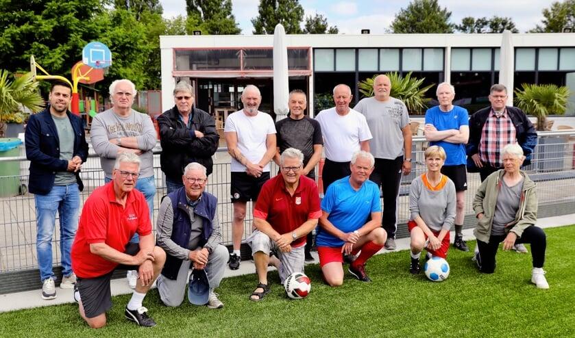 Walking Football werd afgelopen donderdag afgetrapt bij Full Speed (Foto: Koos Bommelé)
