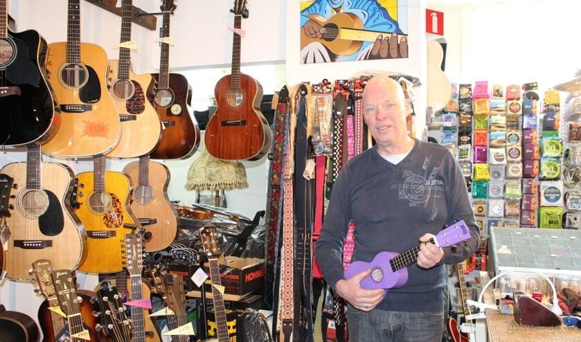 Boy Mosterdijk heeft meer dan gitaren alleen. (Foto: EvE)