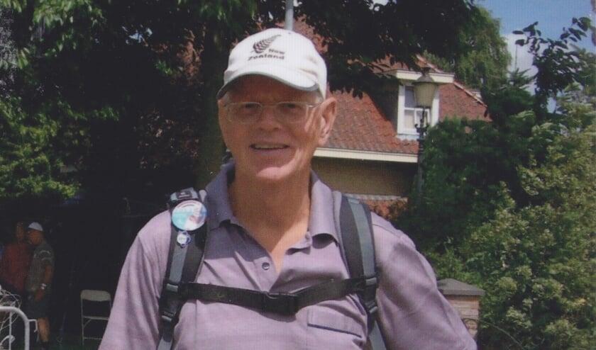 Piet Hartman loopt op zijn tachtigste nog behoorlijke afstanden. (Foto: PR)