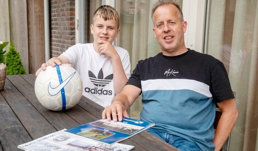 Walter van Geenen, op de foto met zoon Alexander, over Martin Stoelinga: 'Hij is de meest succesvolle trainer van Wippolder.' (foto: Roel van Dorsten)