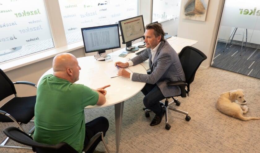 <p>Olaf Verschoor van de Hypotheker Delft/Nootdorp/Pijnacker voorziet u graag van informatie over het oversluiten van een hypotheek&nbsp;</p>