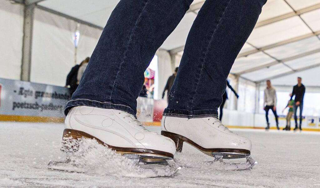 Tidligere har besøgende nydt godt af skøjtebanen ved havnespidsen, nu skal de bevæge sig til Exe for oplevelsen fremover. Arkivfoto:   (Lars Salomonsen)