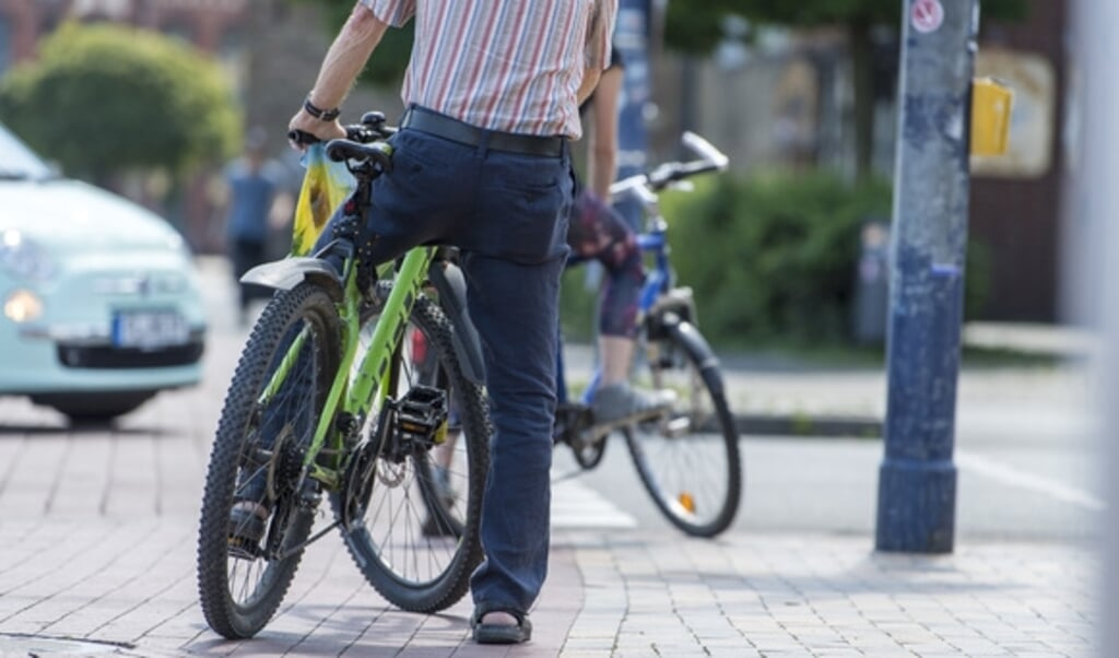 Slesvig-Holstens regering vil gøre det attraktivt at cykle med investeringer i bedre cykelinfrastruktur.  (Arkivfoto: Martin Ziemer)