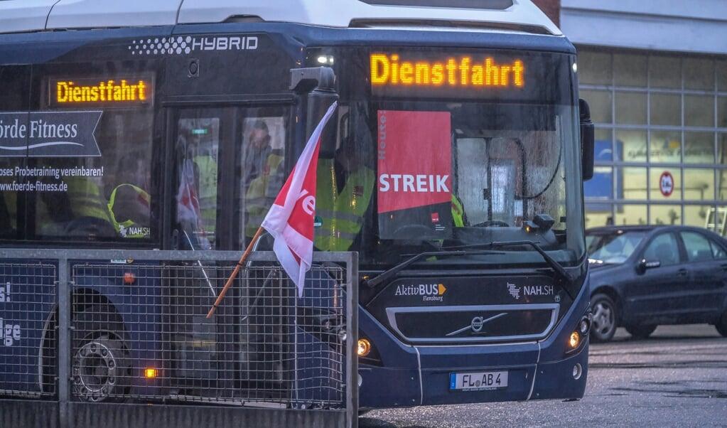 Busserne fra selskabet Aktiv Bus kommer at stå stille i Flensborg tirsdag morgen. Arkivfoto  (Arkiv)