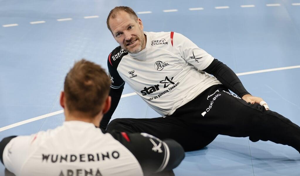 <p>Alter Schwede. Auch mit 42 Jahren durchaus noch in der Lage, einige B&auml;lle zu halten: Mattias Andersson.  Frank Molter/dpa &nbsp;</p>  ( Frank Molter/dpa  )