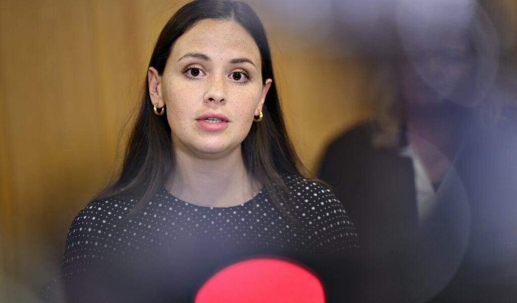 Enhedslisten er klar til at bruge op til 3,5 milliarder kroner på at give alle danskere, der tjener under 32.000 kroner om måneden, et gavekort til oplevelser for 1000 kroner. Det fortæller partiets erhvervsordfører Victoria Velasquez.  ( Philip Davali/Ritzau Scanpix)