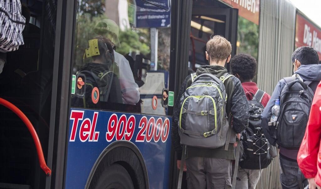 <p>N&aring;r efter&aring;rsferien er slut, og skolen begynder igen, er der brug for flere busser. Det reagerer busselskabet nu Aktiv Bus p&aring;.&nbsp;</p>  (Arkivfoto: Kira Kutscher)