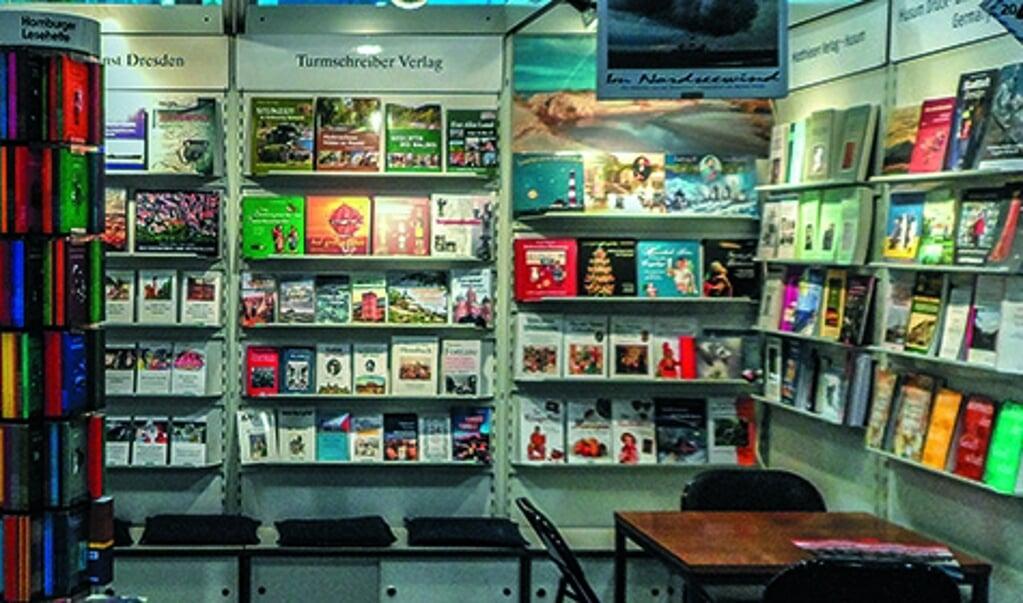 <p>Verlagsgruppe Husum har godt 2500 titler og udgiver omkring 70 nye b&oslash;ger hvert &aring;r.</p>  ( Privat)