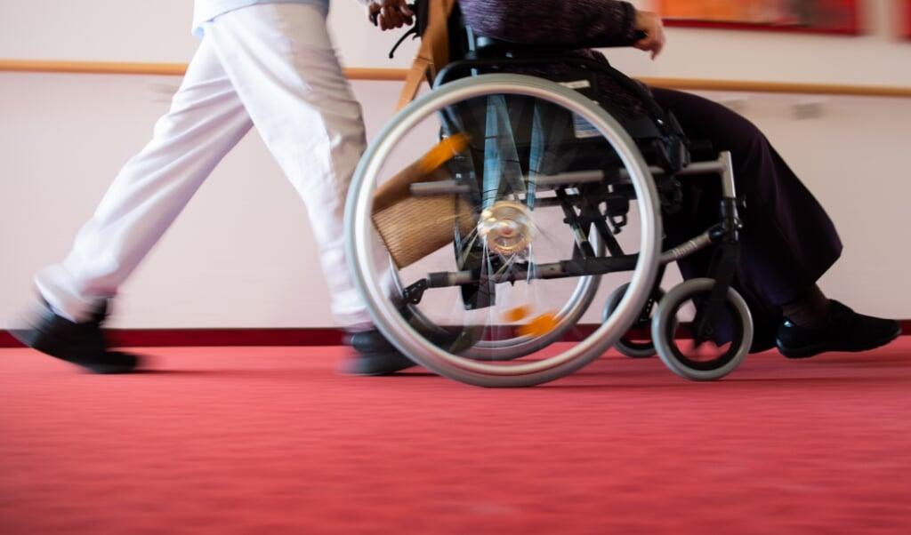 Plejepersonale i forskellige afdelinger få nu højere tillæg.  (Tom Weller/dpa)