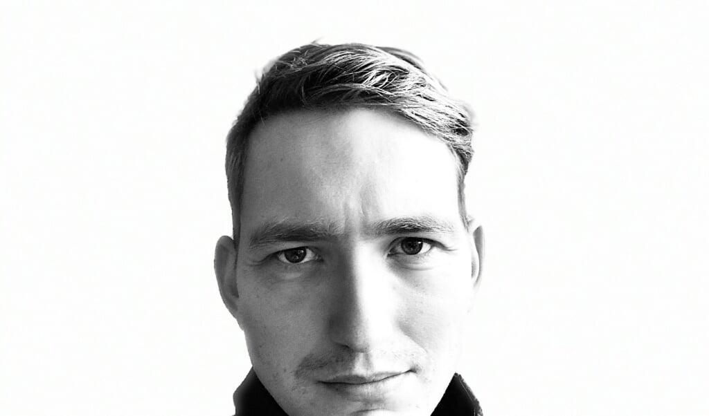 - Vi længes efter at bryde fri i en tid, hvor vi  hele tiden skal performe, siger Jonathan Tylsgaard Larsen.  ( Byens Forlag)