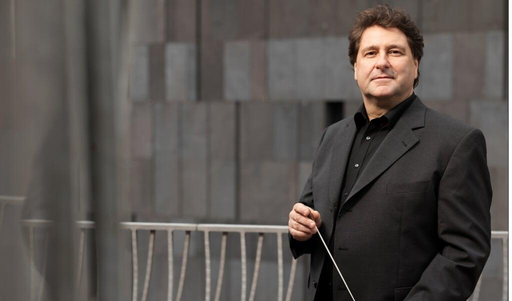 Chefdirigent Johannes Wildner har kurs mod Aabenraa.  ( SSO)