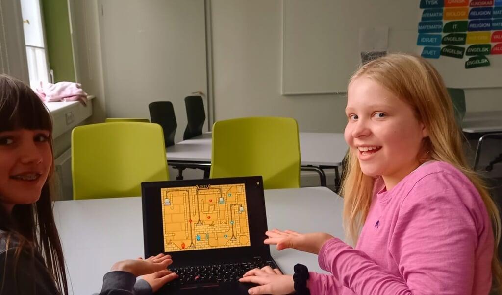 Anabel Pontoppidan og Victoria Probst Linde elsker at lege sammen.  ( Privat)