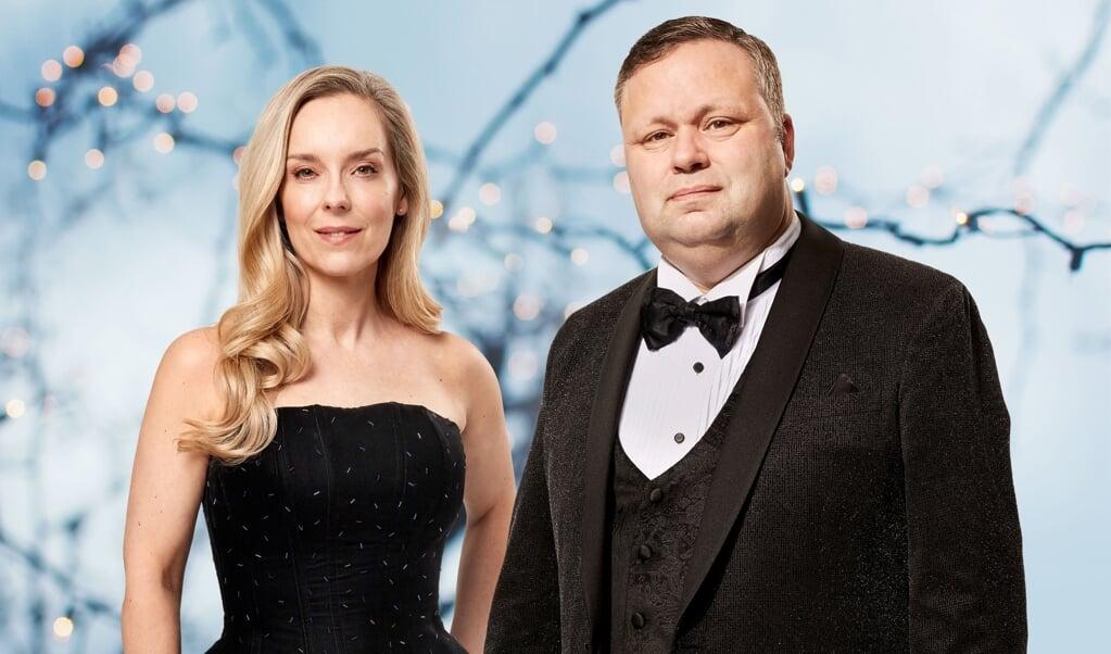 Paul Potts turnerer sammen med den danske sangerinde Lene Siel.  ( PR)