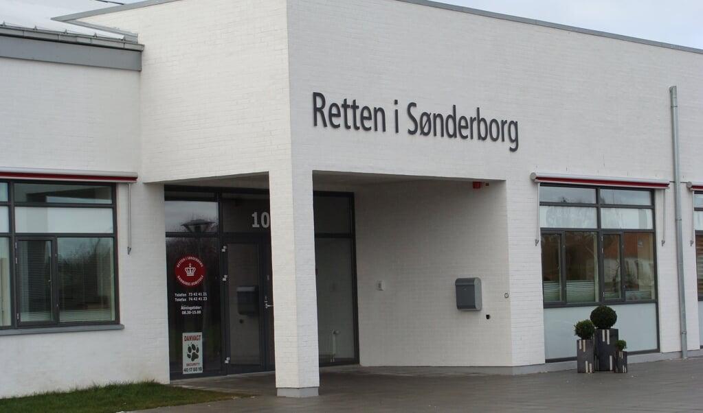 Tre unge mænd bliver søndag fremstillet i grundlovsforhør ved Retten i Sønderborg for et gaderøveri begået natten til lørdag. (Arkivfoto).  (Domstolsstyrelsen/Free)
