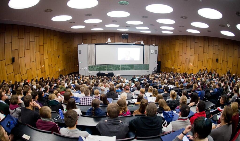 I de mindre byer er der det højeste antal udenlandske studerende. Genrefoto:   (Julian Stratenschulte/dpa)