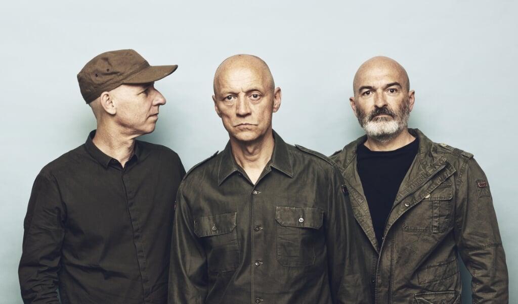 Den danske indie-gruppe Gangway blev dannet i København i 1982. Det var en af de første danske grupper, der fandt inspiration på den britiske indie-scene blandt grupper som The Cure, The Jam og Madness.  (PR)