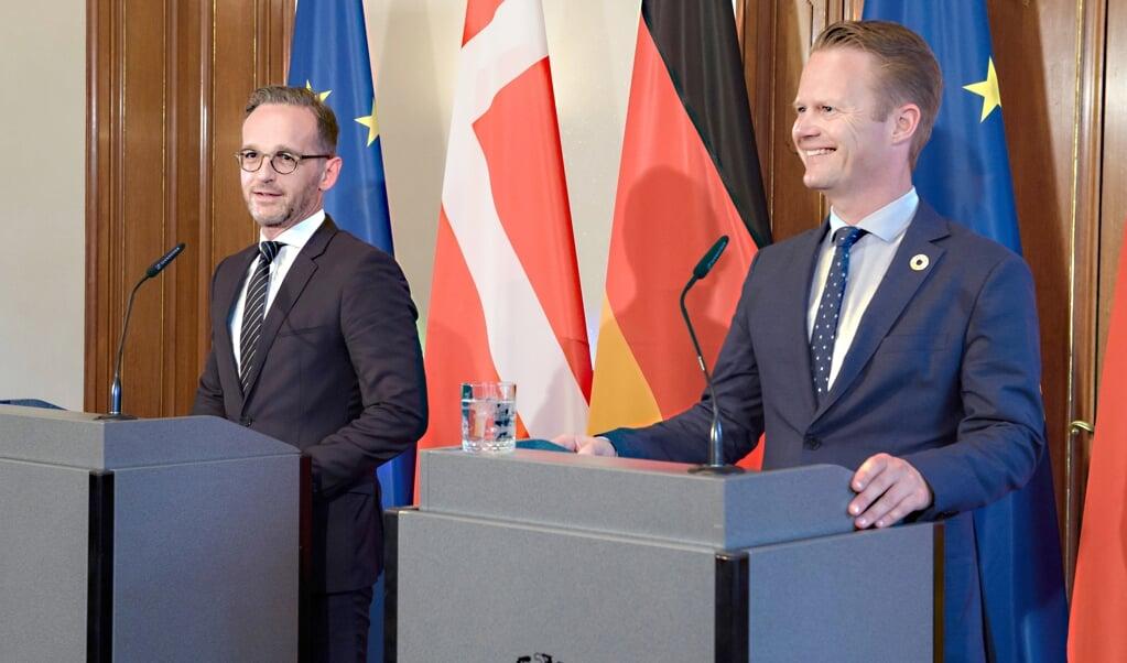 Som en af sine første embedshandlinger som udenrigsminister mødte Jeppe Kofod (S) i juli 2019 sin tyske kollega Heiko Maas (SPD) i Berlin. »Tysklands og Danmarks historie og kultur er bundet sammen på kryds og tværs af venskaber, familier, handel og samarbejde. Og ikke mindst en dyb og gensidig respekt for det tyske og danske mindretal, der trives på begge sider af vores fælles grænse«, skrev Jeppe Kofod efter mødet på Facebook.     (Gregor Fischer, dpa)