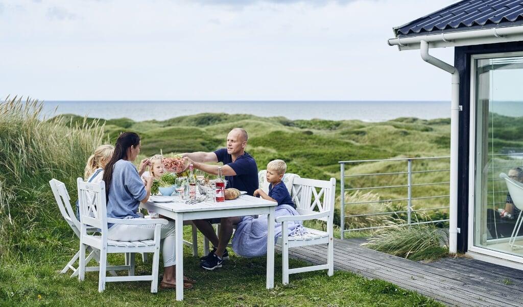 Danskerne er godt i gang med at booke feriehuse i Danmark, mens udenlandske turister stadig tøver.   ( VisitDenmark, Niclas Jessen)