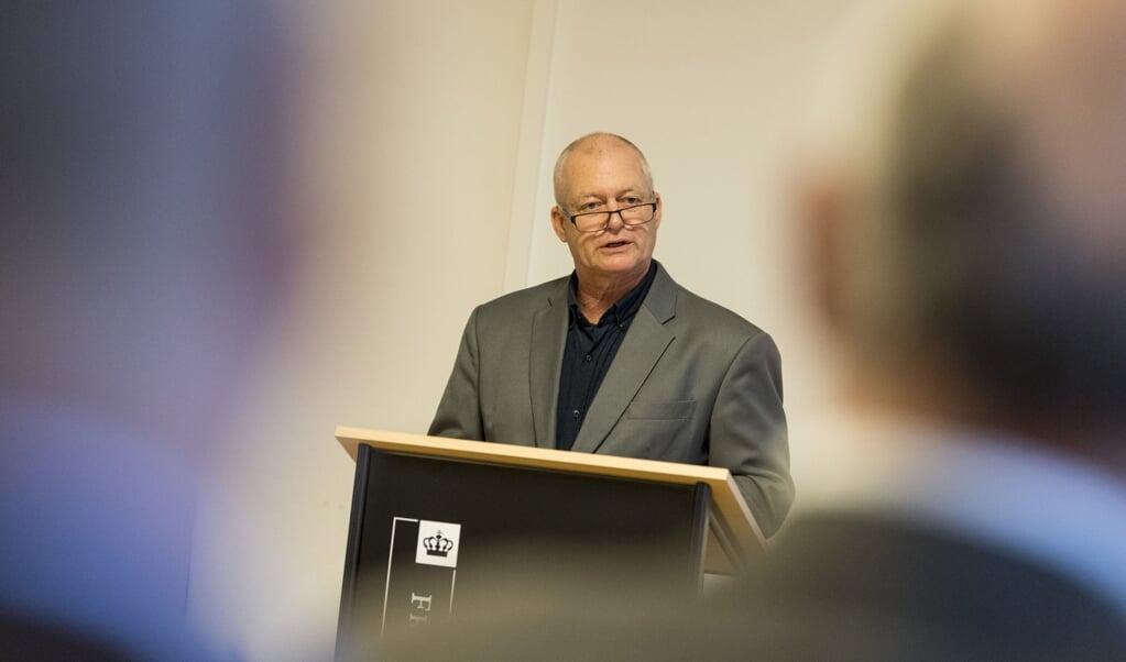 Henrik Skov Kristensen har undersøgt det tyske mindretals vanskelige omgang med den nazistiske fortid. Hans grundige forskningsarbejde er blevet belønnet og kaldes for »fremragende«  ( Martin Ziemer)