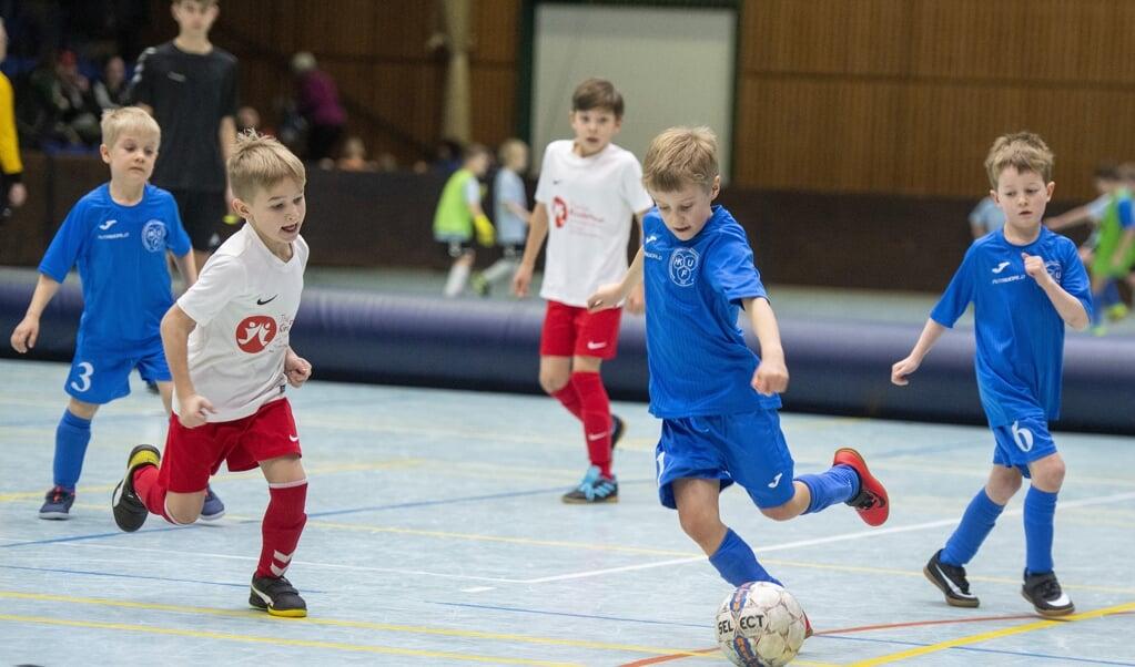 Den store glæde hos de yngste fodboldspillere til indendørsstævnerne i SdU-regi må vente et år.  Tim Riediger  (Tim Riediger)