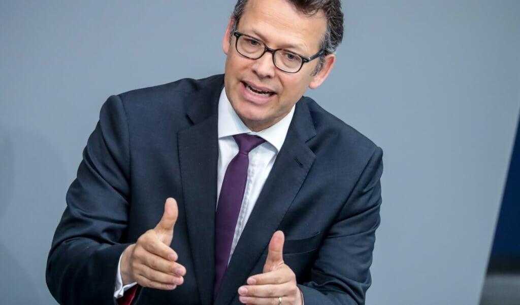 FDPs budgetpolitiske ordfører, Otto Fricke, mener regeringen planlægger at låne dobbelt så meget som nødvendigt i 2021.   ( Michael Kappeler/dpa)