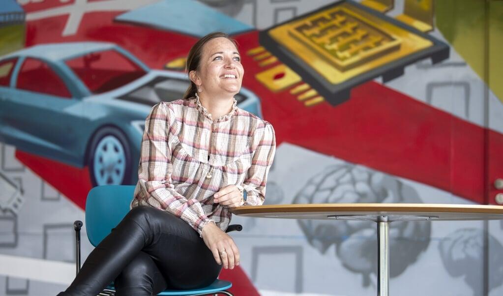 Flensborg vil fortsat være Danfoss' center for udviklingen af dele til el-bilernes gearkasse, fordi familien bag koncernen finder det vigtigt at holde viden og vækst i denne landsdel, understreger Mette Simonsen Nordstrøm, direktør for strategi, marketing og kommunikation i denne del af Danfoss-koncernen.   ( Kira Kutscher)