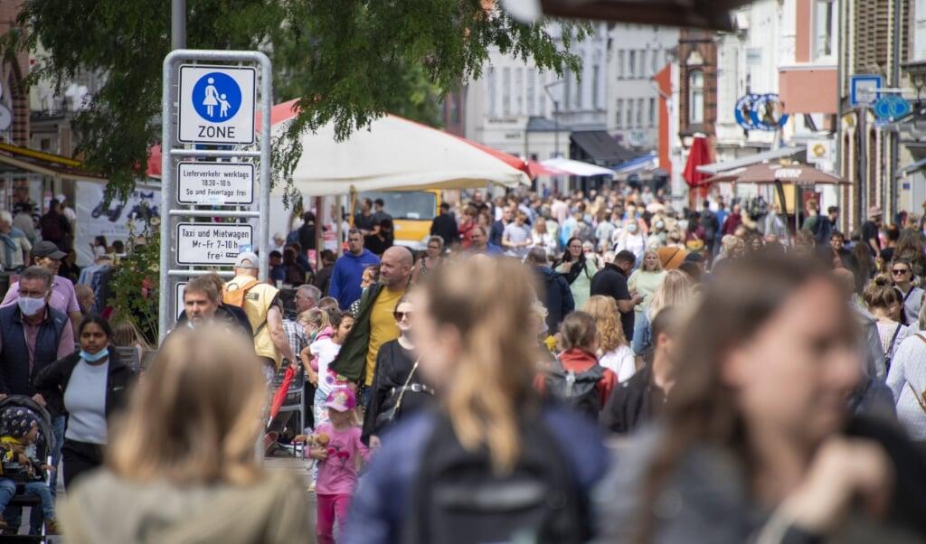 Med øjeblikkelig virkning er det nu et krav at bære mundbind i Flensborgs fodgængerzoner.  (Tim Riediger)