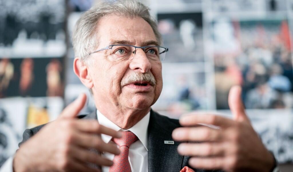 <p>Nok er det g&aring;et bedre end oprindelig antaget med tysk &oslash;konomi. Men formanden for den tyske industris sammenslutning, Dieter Kempf, regner dog f&oslash;rst med at situationen atter er normal i 2022.</p>  ( Kay Nietfeld/dpa)