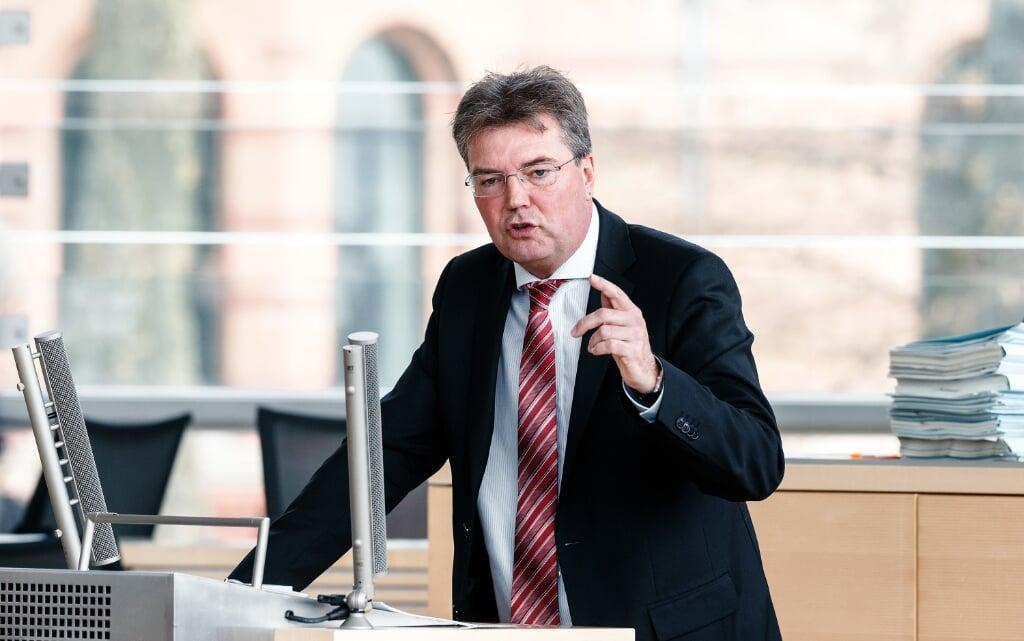 Det er for nemt for de folkevalgte at udnytte eget netværk for egen vindings skyld i det politiske arbejde, mener SSWs gruppeformand i landdagen, Lars Harms.  Markus Scholz/dpa  (Markus Scholz/dpa)