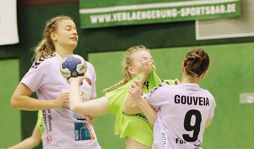 Die Frauen des TSV Nord bekamen gegen Berlin einen sprichwörtlich harten Gegner vorgesetzt.  (Lars Salomonsen)