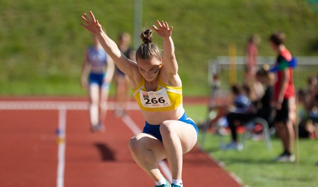 <p>Annike Rohlff sprang mit 5,94 m so weit ist seit 42 Jahren keine Flensburgerin mehr.  Paul Anton Temme</p>  (Paul Anton Temme)