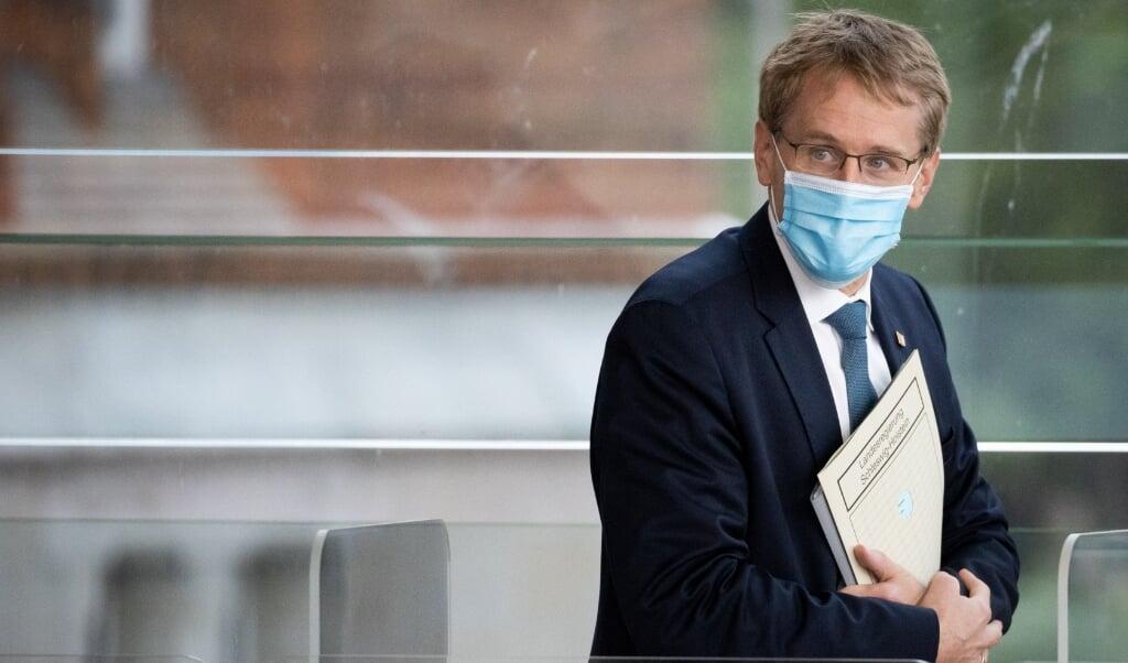 Slesvig-Holstens ministerpræsident, Daniel Gunther (CDU) måtte nødtvungent acceptere, at alle delstatens restauranter, barer og andre udskænkningsteder lukker i hele november.  (dpa)