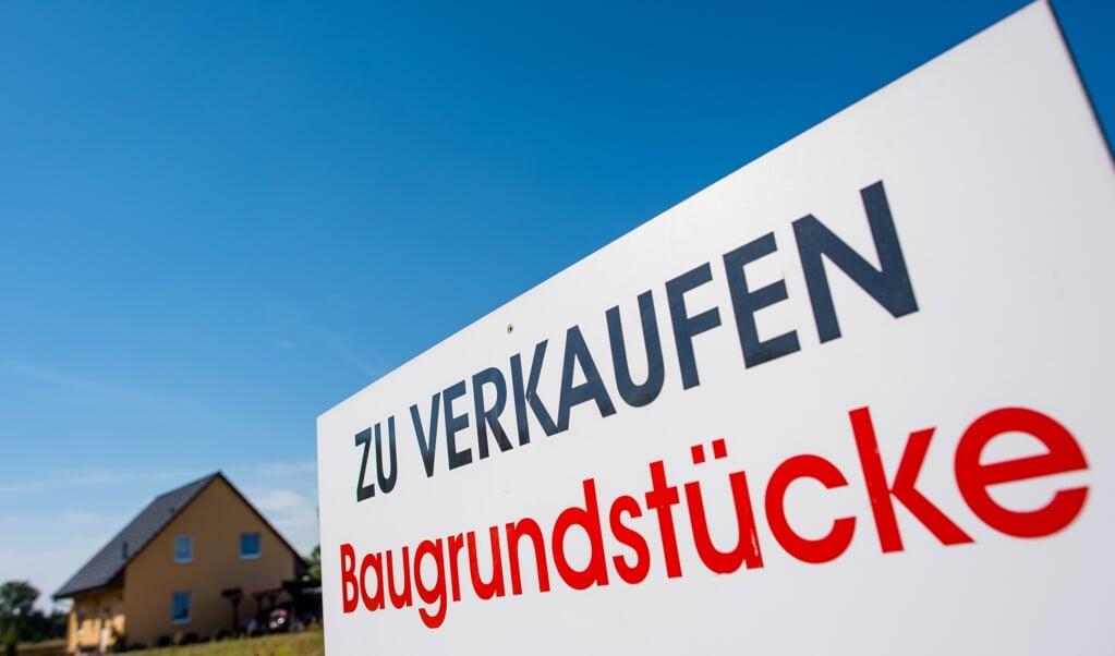 <p>Die Preise f&uuml;r Bauland steigen auch im Kreis Schleswig-Flensburg trotz Corona-Krise weiter an. Das geht aus dem j&uuml;ngsten Immobilienmarktbericht hervor. &nbsp;</p>  (Patrick Pleul, dpa)