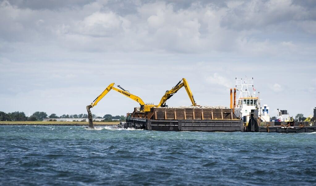<p>P&aring; dansk side er forberedelserne i gang til byggeriet af Femern-forbindelsen, mens der i Tyskland ikke bliver bygget, f&oslash;r det juridiske er klappet helt af. Tirsdag starter retssag i Leipzig, hvor syv klager over den tyske godkendelse af projektet skal behandles de kommende uger.</p>  (Arkivfoto: Ida Marie Odgaard/Ritzau Scanpix)