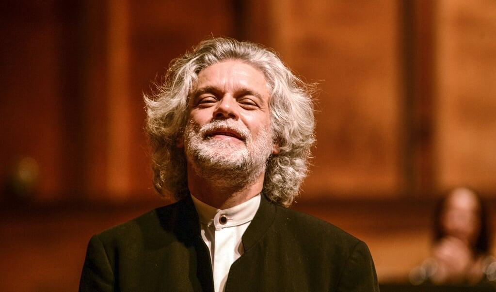 <p>Fran&ccedil;ois<em>&nbsp;</em>Frederic Guy l&oslash;ftede det kendte v&aelig;rk op over det rutinepr&aelig;gede og afgav inspiration til orkesteret.</p>  ( Hans Christian Davidsen)
