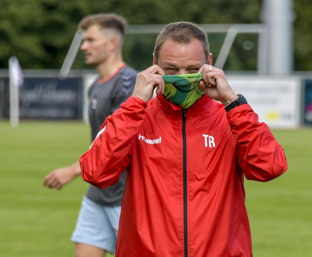 Die Maske bleibt auf und das Fußballjahr ist für Thomas Seeliger und seinen SC jetzt vorbei.  ( Tim Riediger)