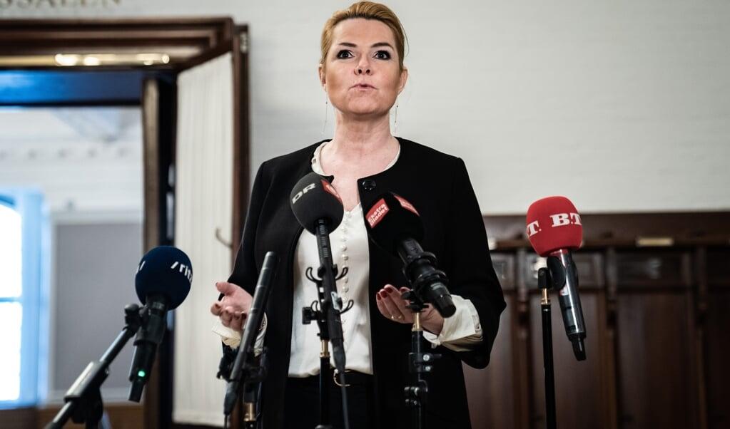 Inger Støjberg (V) kan ikke skjule, at hun er yderst skuffet over Venstres formand, Jakob Ellemann-Jensen.  (Emil Helms/Ritzau Scanpix)